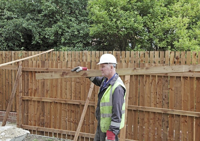 Top Tips for Finding the Perfect Fencing Contractor